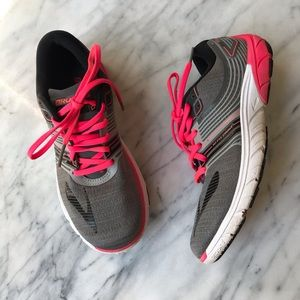 Brooks 3D fit print size 8.5